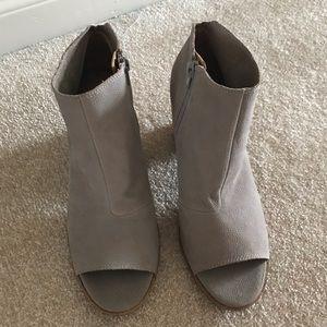 Lucky Brand nubuck suede open toe block heel. NWOT